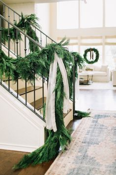 Exceptional Christmas time tips are offered on our website. look at this and you wont be sorry you did. Christmas Staircase, Christmas Mantels, Noel Christmas, Green Christmas, Christmas Wedding, Nordic Christmas, Silver Christmas, Victorian Christmas, Christmas Colors