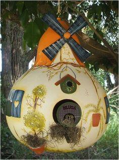 Gourd Bird House                                                                                                                                                                                 Mais