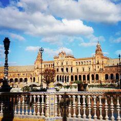 #FelizDiaDelTrabajador y #1deMayo a tod@s desde #Sevilla.