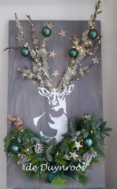 Christmas Mood, Christmas Nativity, Xmas, Silver Christmas Decorations, Reindeer Decorations, Thanksgiving Wreaths, Christmas Wreaths, Holiday Crafts, Holiday Decor