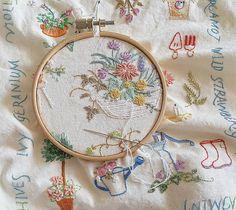 이제 조금만 더 하면 끝인데.. 하기 시르다.😥 #하기싫을때 #종종발생 #인내가필요해  #프랑스자수 #embroidery #구미프랑스자수