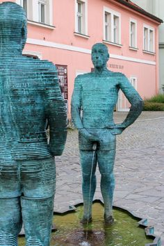 Franz Kafka Museum in Prague Prague Places To Visit, Budapest, Weekend In Prague, Prague Travel, Prague Czech Republic, Central Europe, Sculpture, Eurotrip, Adventurer