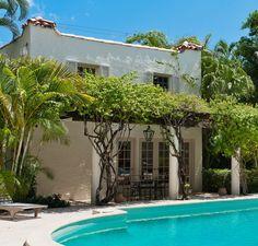 Just add orange juice: Palm Beach guest house pool-side pergola