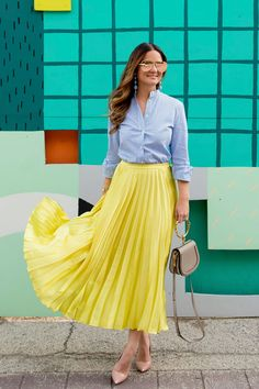 Yellow Satin Pleated Skirt with a Navy Wool Blazer : ASOS Yellow Satin Pleated Skirt Yellow Skirt Outfits, Yellow Pleated Skirt, Satin Pleated Skirt, Robes Western, Western Dresses, Skirt Fashion, Fashion Outfits, Inspiration Mode, Red Skirts