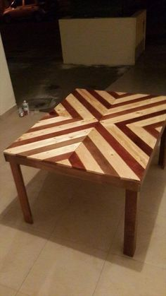 Pallet Coffee Table / Outdoor Dining Table | 99 Pallets - If you really want to know that what you can do with pallet wood then have a look on this DIY pallet coffee table / dining table with diamond burst pattern.