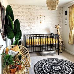 Nursery Trends This Week: The Safari Theme Done Right. This boho safari nurse Safari Theme Nursery, Boho Nursery, Baby Nursery Decor, Project Nursery, Nursery Neutral, Nursery Themes, Nursery Room, Safari Bedroom, Themed Nursery