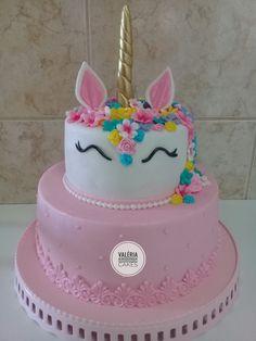 Bolo unicórnio Unicorn Cake Pops, Unicorn Cakes, Rainbow Unicorn Party, Unicorn Birthday, My Little Pony Cake, Cupcake Cakes, Cupcakes, Baby Birthday Cakes, Birthday Cake Decorating