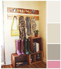 ¡Manos a la obra! cajas de madera, barniz y percheros caseros = recibidor muy personal