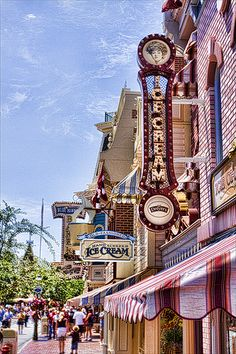 Main Street USA, Magic Kingdom Park, Walt Disney World Resort, Orlando, Florida Anaheim California, Disneyland California, Vintage Disneyland, Disneyland Resort, California Usa, Disneyland Main Street, Disneyland Rides, Disneyland Photos, Walt Disney
