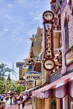 Main Street USA   Disney Land California
