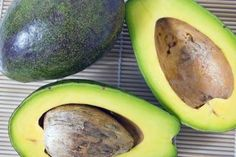 AVOCADO & OLIVE OIL HAIR TREATMENT Over time, harsh weather, styling products and even shampoo can leave hair dull and dry. A natural hair treatment with avocados and olive oil gently lifts out dirt, excess hair oils and styling product residue that shampoo alone may not remove. The healthy oils in these plant products replenish moisture in your hair, leaving it softer, shinier and more manageable.
