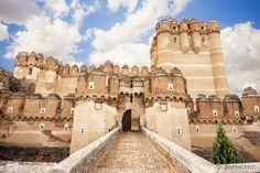 O Castelo de Coca possui o título de Monumento Histórico Nacional