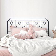 Minimalistisches Bett-Kopfteil als Wand Aufkleber. Gibt's bei Etsy.
