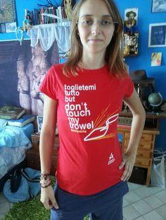 """Andrea con la t-shirt """"Toglietemi tutto"""" http://bit.ly/1zTbfeB"""
