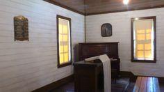 Interior Elvis'church Tupelo 2013