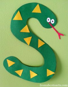 Tot and preschool education. Learning the letter S for Toddlers.
