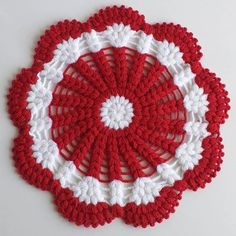 Crosia Design, Crochet Dollies, Thing 1, Diy Home Crafts, Crochet Designs, Flower Crafts, Blanket, Christmas Tree, Holiday Decor