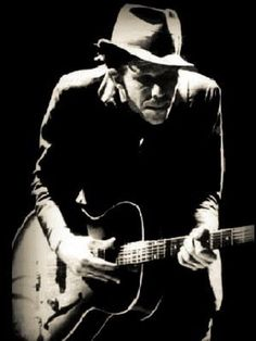 Tom Waits .... Doin what he does