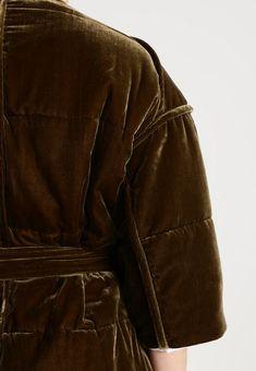 By Malene Birger VALOURIE - Wollmantel/klassischer Mantel - hunter - Zalando. Malene Birger, Leather Jacket, Fall, Jackets, Fashion, Winter Cloak, Classic, Studded Leather Jacket, Autumn