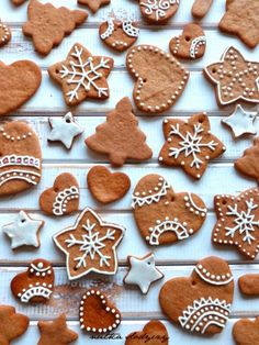 Christmas Mood, Santa Baby, Royal Icing, Christmas Inspiration, Cookie Decorating, Gingerbread Cookies, Biscuits, Christmas Decorations, Make It Yourself