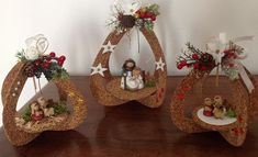 Christmas Crafts, Christmas Decorations, Wicker Baskets, Diy, Home Decor, Leaf Crafts, Cheap Christmas, Calamari, Fantasy