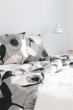 Pastelli duvet cover set is made of cotton percale. The set includes one pillow case cm). Can be machine washed at A modern style does not have to be cold and clinical! Minna Niskakangas designed a trendy pa