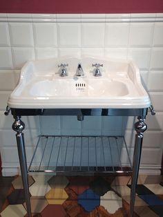 lavabo, rivestimento Etruria_Showroom Rolich S.r.l.