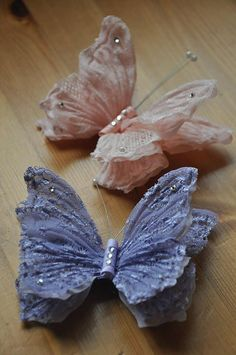 Product Description------ beautiful handmade butterfly hair clip is perfect for all girl or women ------Production Time------ 1 Days  ------Materials-------- lace  ------ shipping time------ 7-10 days to USA Canada and Europe 3-5 days to Asia ------Size & Measurement ------ 12 cm   If you have any questions please feel free to contact us  thank you