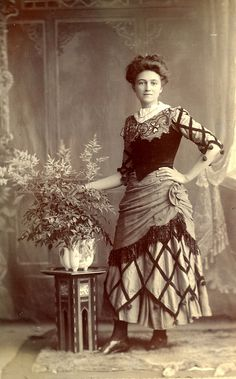 Edwardian Lady..love the way she is posing...very independent for the 1900's..she's ahead of her times!