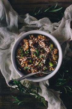 Mushroom and Asparagus Farrotto with Tarragon {Vegetarian} I foolproofliving.com