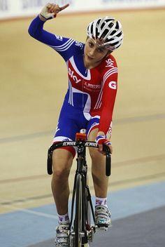British Cycling - Laura Trott Team Gb Cycling, Cycling Girls, Pro Cycling, Victoria Pendleton, Female Cyclist, Bike Wear, Bicycle Girl, Road Bikes, Sport Girl