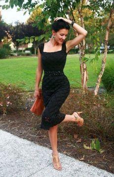 Вечернее черное платье спицами. Красивая схема для платья спицами |