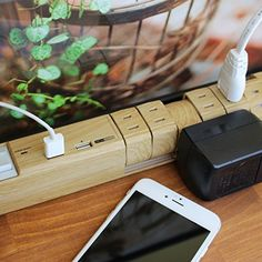 Amazon | ファーゴ インテリア 電源タップ 雷サージプロテクタ ほこり防止シャッター 木目調 TAP KING USB AC6個口+2ポートUSB付 一括ブレーカースイッチ(PT600BEWD) | | 電源タップ通販