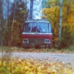 ...'got kidnapped in this bus a few years ago. 'Quality day out! #partybus   #magicalmysterytour #bromarf #wiima #bus #old #vintagefinland #finland #sisu #volvo #memories #bustrip #instabus #weareinfinland #antique #classic #vehicle #transport #autumn #quality #finnish #vroomvroom #instafinland #instalike #instapic #nostalgia #whiterabbit