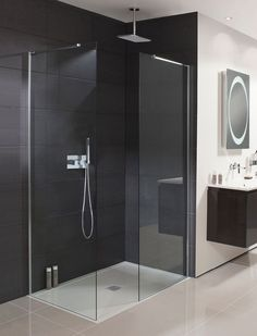 39 Creative Small Bathroom Glass Shower Design Ideas That Will Make More Enjoyable When Take Bath - Nowadays the life is running faster than ever, when everybody are in hurry to complete their daily duties. After a hard day at work you certainly are . Shower Panels, Bathroom Accessories Luxury, Elegant Bathroom, Bathroom Interior, Modern Bathroom, Amazing Bathrooms, Luxury Shower, Luxury Bathroom, Bathroom Shower Panels