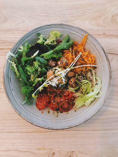 Flexi bowl. Bowls, Ethnic Recipes, Food, Serving Bowls, Essen, Meals, Yemek, Mixing Bowls, Eten