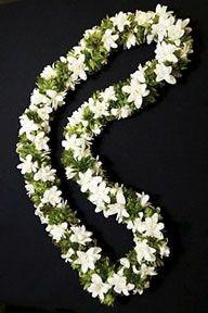 A Hawaii Wedding - Hawaiian Flower Lei Flower Garland Wedding, Bridal Hair Flowers, Flower Garlands, Flower Decorations, Wedding Flowers, Wedding Bouquets, Hawaiian Flowers, Tropical Flowers, Hawaiian Leis