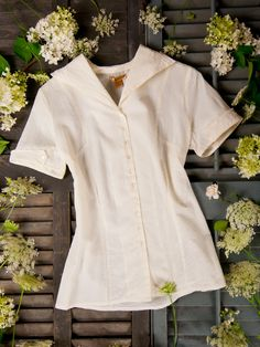 Woven cotton short-sleeved blouse with a somewhat wide collar -- '30s inspired?