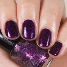 Gorgeous swatch of Renaissance Custom Lacquer Enamoured, a deep purple shimmer indie polish from the Wunderkammer collection. 2 coats. Swatches and review by Wondrously Polished. #indiepolish #renaissancecosmetics #renaissancecustomlacquer