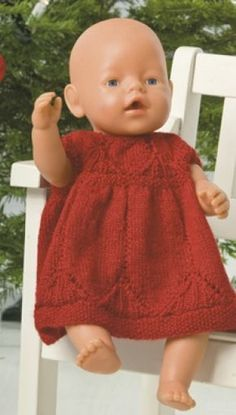 Julekjole til dukken Knitting Dolls Clothes, Crochet Baby Clothes, Knitted Dolls, Doll Clothes Patterns, Clothing Patterns, Baby Born Clothes, Girl Doll Clothes, Girl Dolls, Baby Dolls