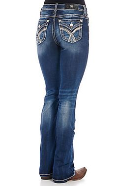Miss Me Women's Dark Wash Sweet Feeling Embroidered Boot Cut Jeans Black Jeans Outfit Casual, Jeans Outfit Winter, Casual Fall Outfits, Cowgirl Tuff Jeans, Cowgirl Outfits, Cowgirl Style, Western Style, Jean Shirt Outfits, Kevlar Jeans