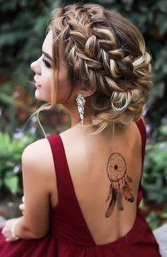 Nice 57 Beautiful Wedding Hairstyles Ideas For Curly Hair. More at https://trendwear4you.com/2018/03/18/57-beautiful-wedding-hairstyles-ideas-for-curly-hair/
