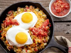 The Eggbert's Sunriser: Make individual skillets or one large one of this declicious dish of hashbrowns, vegetables, ham, cheese and eggs.