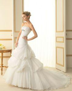 154 TIANA / Wedding Dresses / 2013 Collection / Luna Novias