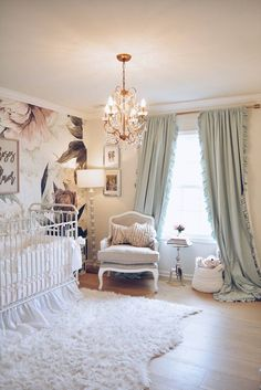 Floral Wallpaper Nursery – A Vintage Inspired Nursery Tips on Decorating Your Baby Nursery How Excit Baby Room Boy, Baby Bedroom, Baby Room Decor, Nursery Room, Nursery Curtains Girl, Baby Boy, Wall Paper Nursery, Accent Wall Nursery, Baby Room Design