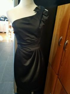 36.62$  Buy now - http://vissa.justgood.pw/vig/item.php?t=6nidhev23334 - Davids bridal size 2 black one shoulder knee length dress style 84333