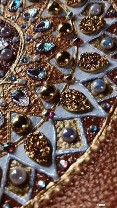 by Victoria Linnen Art Crystal Mandala, Victoria, Linen Bag, Mandala Art, Fractals, Trending Outfits, Unique Jewelry, Handmade Gifts, Bags