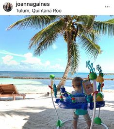 First family vacation: check! Crew and his toys join Mom, Dad and the rest of the Gaines kids for a March 209 visit to Tulum, Mexico. Joanna Gaines Baby, Joanna Gaines Style, Chip And Joanna Gaines, Chip Gaines, Magnolia Farms, Magnolia Homes, Magnolia Market, Baby Pictures, Baby Photos