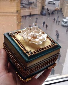 Декупаж Елены Олейниковой   ВКонтакте Cigar Box Projects, Cigar Box Crafts, Jewellery Boxes, Jewellery Storage, Jewelry Box, Wiccan Books, Decoupage Printables, Decoupage Box, Woodworking Box