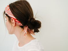 UNFANCY easy ways to wear your hair this summer (no heat tools needed!) - low bun with a bandana #hairstyle #summertime